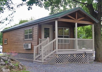 Deluxe Family Cabin exterior